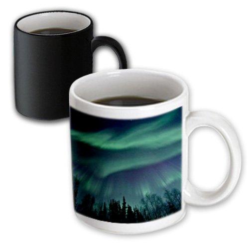 3dRose Northern Lights in Shade of Green Amongst Dark Blue Night Sky, Magic Transforming Mug, 11-Oz