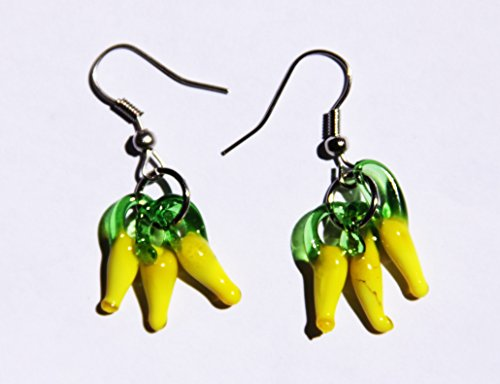 (Handmade Lampwork Pepper Chili Glass Charm Earrings!)