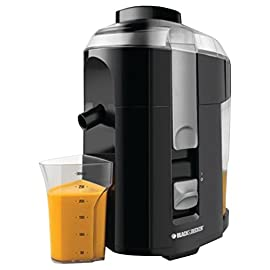 BLACK+DECKER 400-Watt Fruit and Vegetable Juice Extractor, Black, JE2200B 85 A high quality strainer and stainless steel blades, pulp is separated out while nothing but natural, nutritious juice is effortlessly strained into the 300-ml pitcher below 400 watts of power plus a stainless steel cutter and strainer juices all your favorite fruits and vegetables with ease; 28-oz pulp collector Large, integrated pulp container reduces space taken on counter