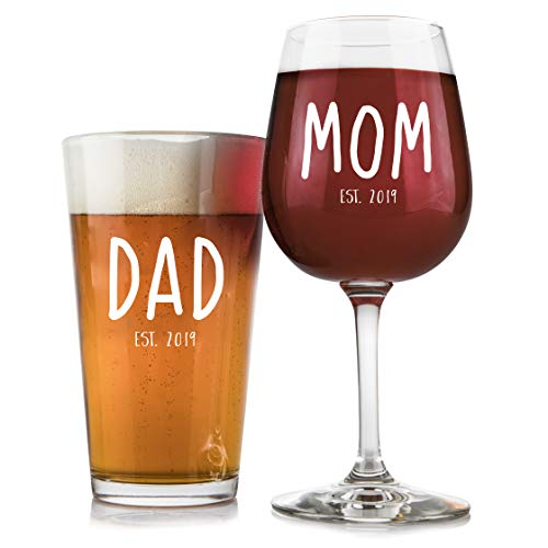 New Parents Pregnancy 2019 Announcement 16 oz. Pint Glass, 12.75 oz. Wine Glass Set - Unique Christmas Gift For Parents To Be - Perfect Present For Baby Showers - Mom and Dad Gift (White)