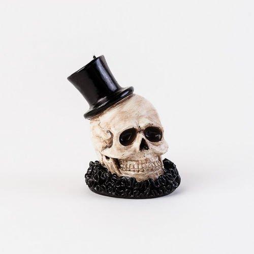 One Hundred 80 Degrees Skull Candle]()