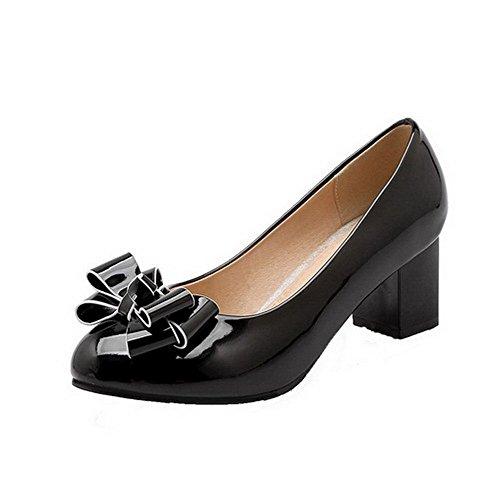 AllhqFashion Damen Rund Zehe Ziehen auf PU Leder Rein Niedriger Absatz Pumps Schuhe Schwarz