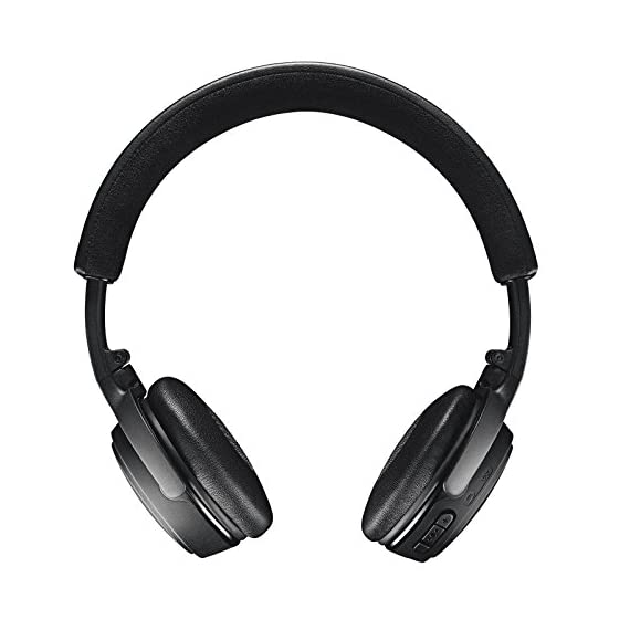 "Bose SoundLink On-Ear Bluetooth Headphones with Microphone, Triple Black 4 Bose SoundLink On-Ear Bluetooth Headphones with Microphone - 47.2"" Audio Cable - 1.3"" USB Cable - Carrying Case - Bose 1 Year Limited Warranty Wireless Range: 30' (9.1m) Battery life: Up to 15 hours"