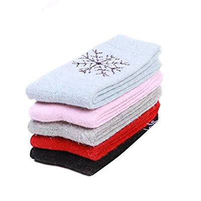 SEADEAR 5 Pairs Winter Warm Snowflake Pattern Essential Cashmere Sock Thermal Socks for Women Girls with Stylus