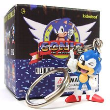 kidrobot-sonic-the-hedgehog-keychains-sonic-laughing-2-24