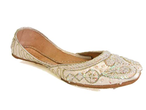 Beachcombers Womens Khussa Ivory Silk Beaded Flats Size 9 (Sca Belly Dancing)