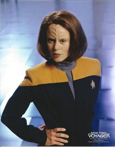 Roxann Dawson as B'Elanna Torres from Star Trek: Voyager in uniform with hand on hip 8 x 10 - Autographs Torres
