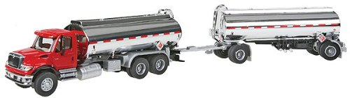 Walthers SceneMaster International 7600 DBL Tanker (Gas Oil Truck)