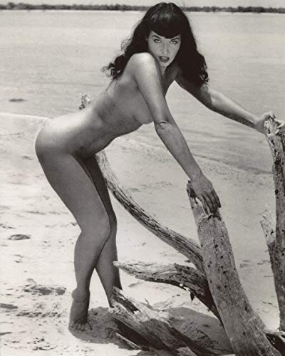 - Betty Bettie Page Leggy 8x10 Photo #X1321