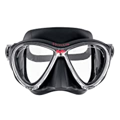 Visibility is the most important aspect of any dive. The new M3 mask provides that with distortion free vision and superior fit. This low profile design uses a rigid frame and two lenses with an extra clear glass which is valued for its attra...