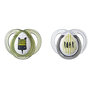 Tommee Tippee Closer to Nature Everyday Pacifier, BPA-Free, Bottle Shapped Nipple, 0-6 Months, 2 Count (Designs Will Vary)