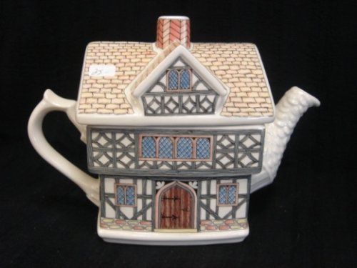 English Country house teapot by Sadler
