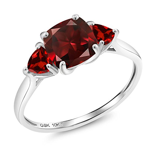 Gem Stone King 10K White Gold Red Garnet 3-Stone Meghan Ring 2.53 Ct Cushion Cut (Size 8) ()