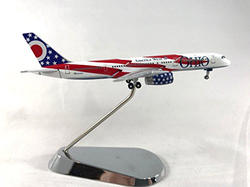 757 model airplane - 9