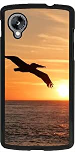 Funda para Google Nexus 5 - La Puesta Del Sol Con Los Pájaros by WonderfulDreamPicture