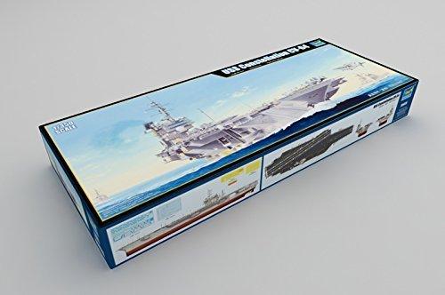 - 1/350 US Navy aircraft carrier CV-64 Constellation plastic model 05620