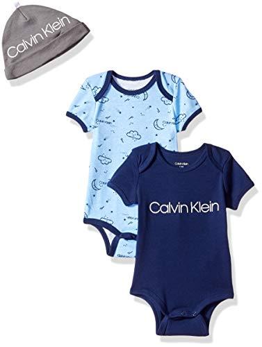 Calvin Klein Baby Boys Short Sleeve 2 Pack Bodysuit with Hat, Symphony, Signature Blue, 18-24 Months (Body De Bebe)