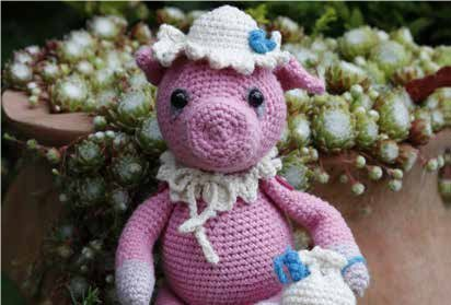 Go Handmade Hilary The Pig 20cm Crochet Needlework Kit, All Parts & Materials Included!