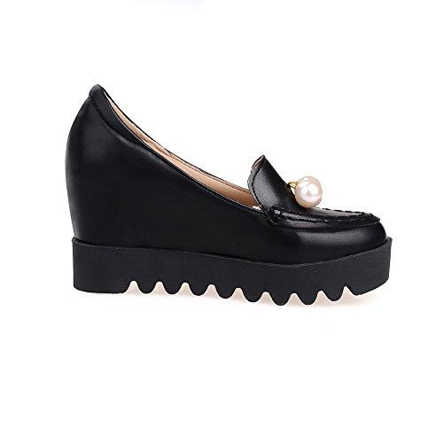 AllhqFashion Damen Rund Zehe Ziehen auf PU Leder Eingelegt Hoher Absatz Pumps Schuhe Schwarz