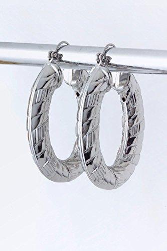 karmas-canvas-metal-oval-hoop-earings-silver