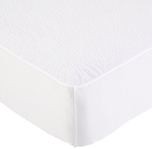 Amazonbasics Hypoallergenic Waterproof Fitted Mattress Protector, Twin-xl