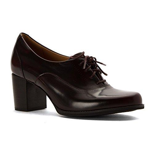 Clarks Kvinna Tarah Victoria Läder Rund Tå Klassiska Pumps Vinrött Läder