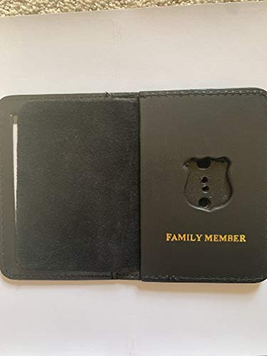 (MINI POLICE OFFICER FAMILY MEMBER COURTESY SHILED AND ID WALLET )