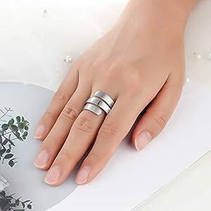 Lam Hub Fong Anelli Donna Regolabili Personalizzati 3 Nome Anello in Acciaio Inossidabile inciso con Anelli di Fidanzamento incisi semplici Anelli per Ragazze