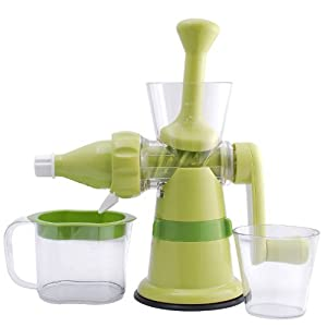 Hand Operated Slow Juicer : Amazon.com Chef s Star Manual Hand Crank Single Auger Juicer w/ Suction Base: Cold Press ...