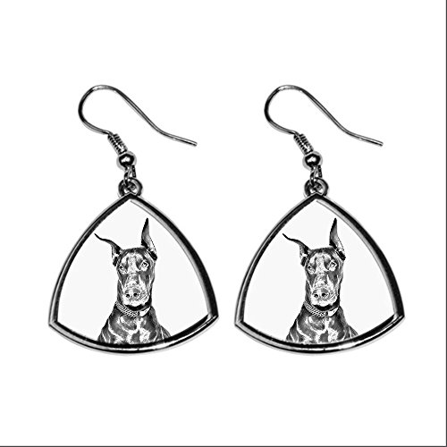 doberman-collection-of-earrings-with-images-of-purebred-dogs-collection-de-boucles-doreilles