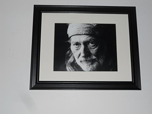 Large Framed Willie Nelson 1990's Head Shot B/W Poster Glass Frame 24