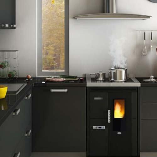 Küche a Pellet EVA Calor Nina 7,5 kW schwarz Lage Logo eingeprägt ...