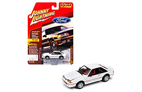 Classic Ford Mustang Parts (New 1:64 AUTO WORLD JOHNNY LIGHTNING CLASSIS GOLD COLLECTION - White 1990 Ford Mustang GT Diecast Model Car By Auto World)