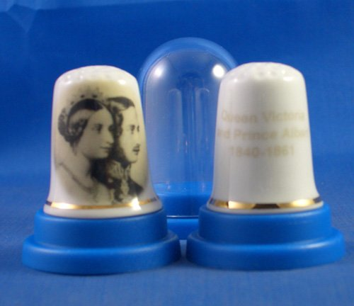 H M Queen Victoria /& Prince Albert Porcelain China Thimble