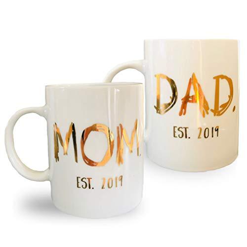 (COCOMOON Engraved Gold New Parents Pregnancy Announcement Coffee Mug Set 11oz- Ceramic Tea Cup White)