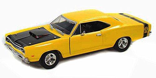 [1969 Dodge Coronet Super Bee, Yellow With Black Hood - Motormax Premium American 73315 - 1/24 Scale Diecast Model Car] (1969 Dodge Coronet Super Bee)