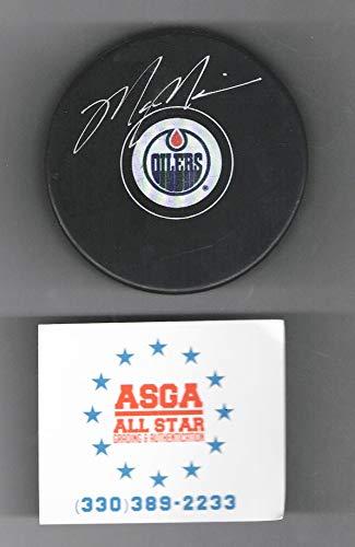 Mark Messier Edmonton Oilers autographed logo hockey puck
