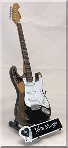 John Mayer Monster Relic - Guitarra en miniatura con púa para ...