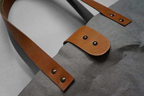 Colore: grigio chiaro, Look-Borsa con fibbia, colore: marrone