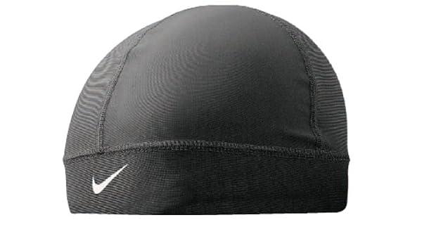 Nike Gorra de cr¨¢neo Pro Combat (Negro / Blanco, Osfm): Amazon.es ...