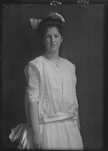 1911 Photo Casserly, Cecily, vintage black & white photo A489