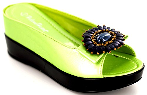 Medallion Lime (Helens Heart Casual Slide with Hidden Wedge with Medallion, 8127-17, Lime, Size 8)