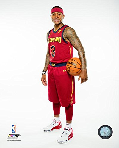82cf0dc33 Amazon.com: Isaiah Thomas Cleveland Cavaliers 2017 NBA Studio Posed Photo  (Size: 8