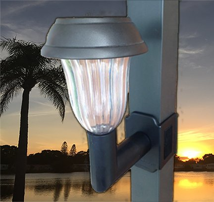 4 pack 5 lumen clip on solar lanai lights for screen enclosures and pool cages green ankles. Black Bedroom Furniture Sets. Home Design Ideas