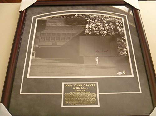 (Willie Mays The Catch 1954 World Series Autographed Signed 16x20 Framed Uv Glass PSA Dna - Authentic Memorabilia)