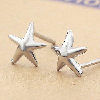 Osye Silver Star Shaped Stud Earrings