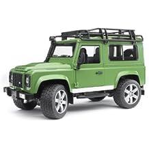 [Sponsored] Bruder Toys Land Rover Defender Station Wagon