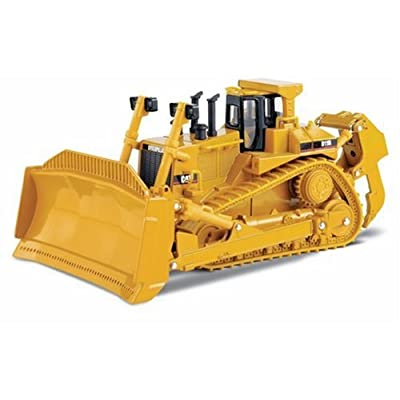 Caterpillar Track-Tyoe Tractor 1:50 Scale: Toys & Games