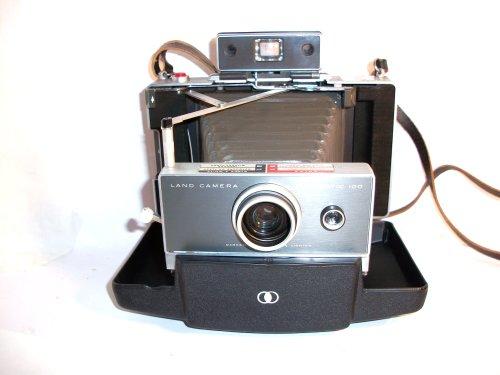 Polaroid Automatic 100 Land Camera