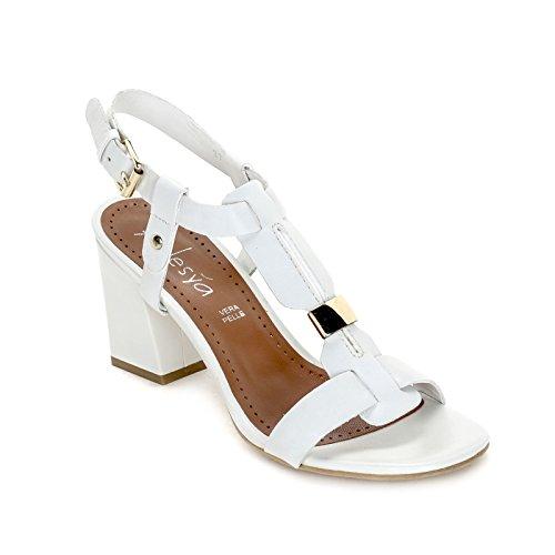 ALESYA by Scarpe&Scarpe - Sandalias altas con accesorio dorado Blanco